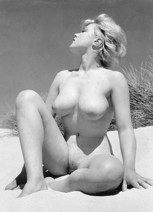 Sunny leone indian nude